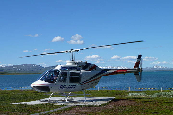 Helicopter in Staloluokta.