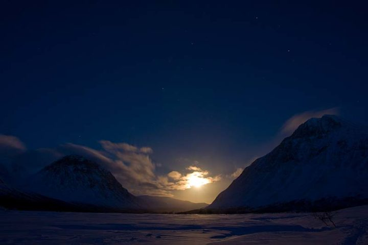Moonlight in Rapavalley, Sarek nationalpark.