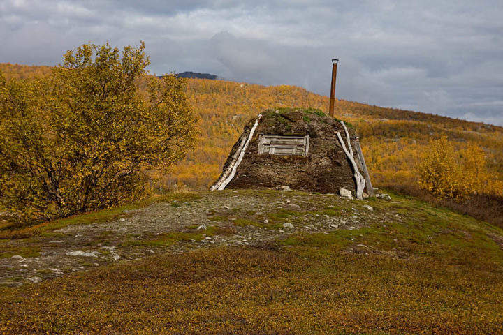 Traditional Sámi hut close to Abiskojaure, Abisko National Park.
