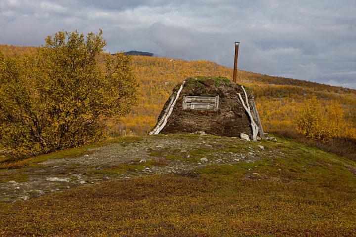 Traditional Sámi hut close to Abiskojaure, Abisko National Park.