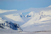 Höga fjäll och djupa dalar på turen Med huskies längs norra Kungsleden.